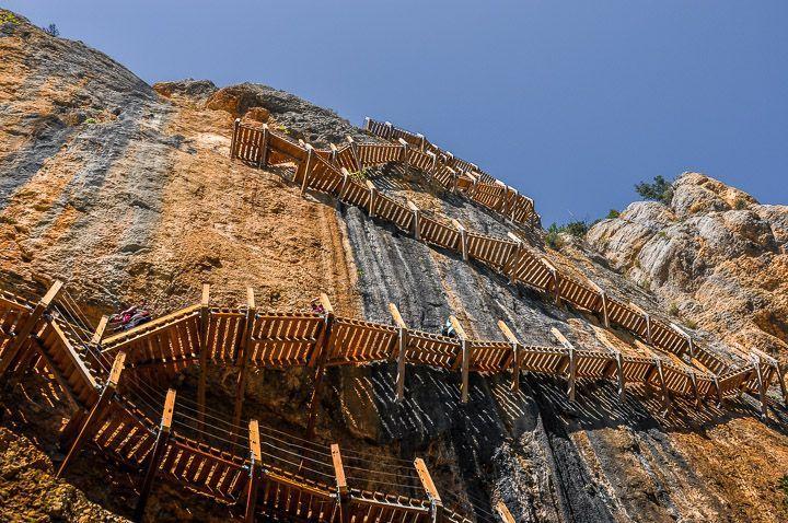 escaleras congost de mont rebei