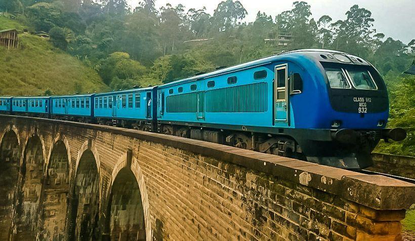 ella tren azul