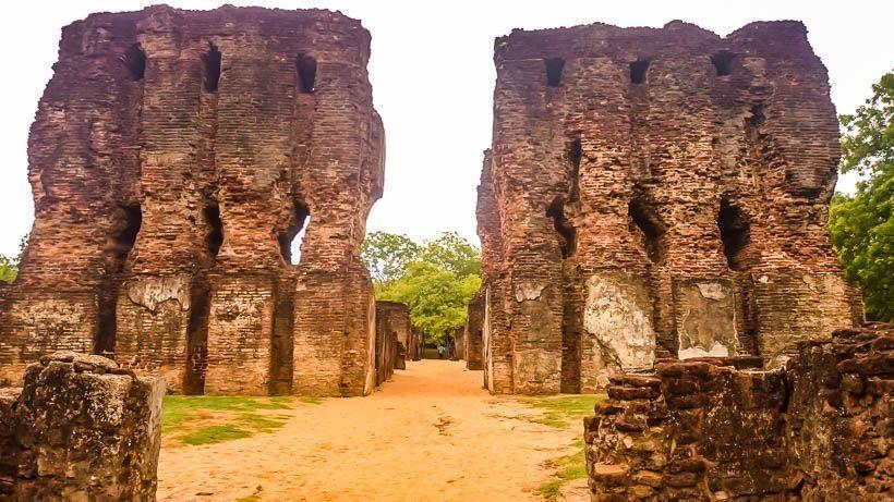 palacio real polonnaruwa
