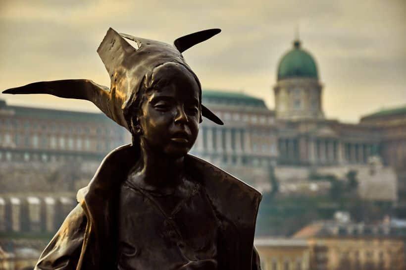 estatua princesa budapest