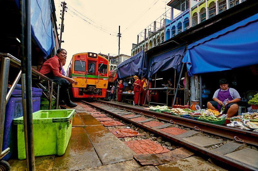 vias tren mae klong