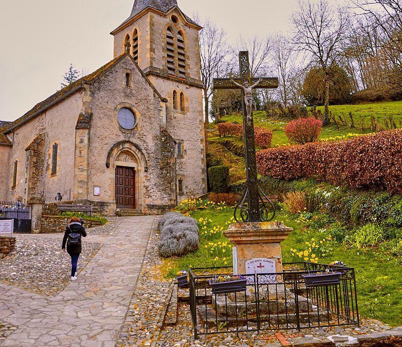 iglesia belcastel Midi Pyrenees
