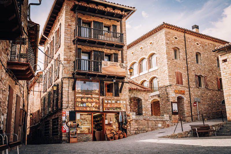 CASTELLAR DE NHUG cosas que ver y hacer provincia barcelona