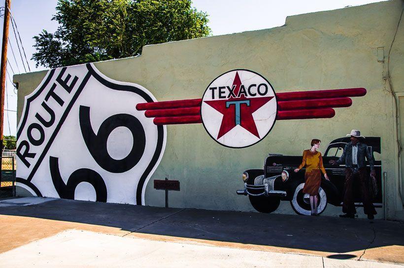 gasolinera texaco ruta 66 mural