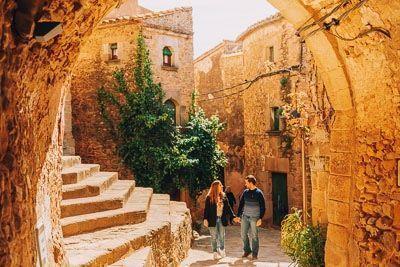 """<span class=""""dojodigital_toggle_title"""">Ruta en coche por los pueblos medievales de la Costa Brava</span>"""