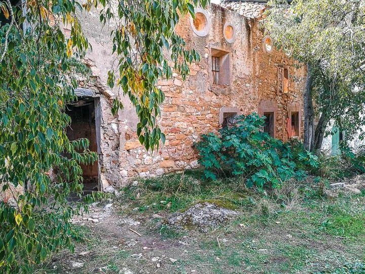pueblo abandonado finestres