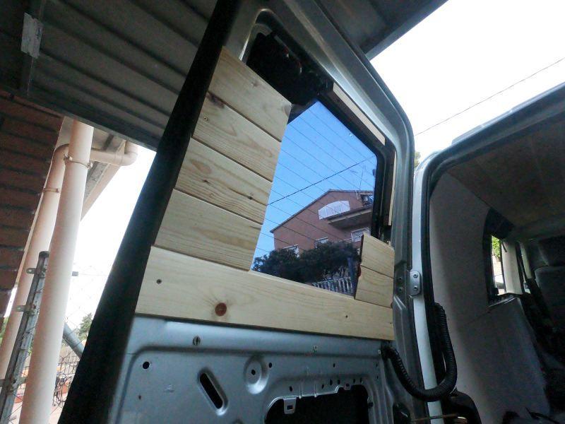 aislar ventanas traseras furgoneta