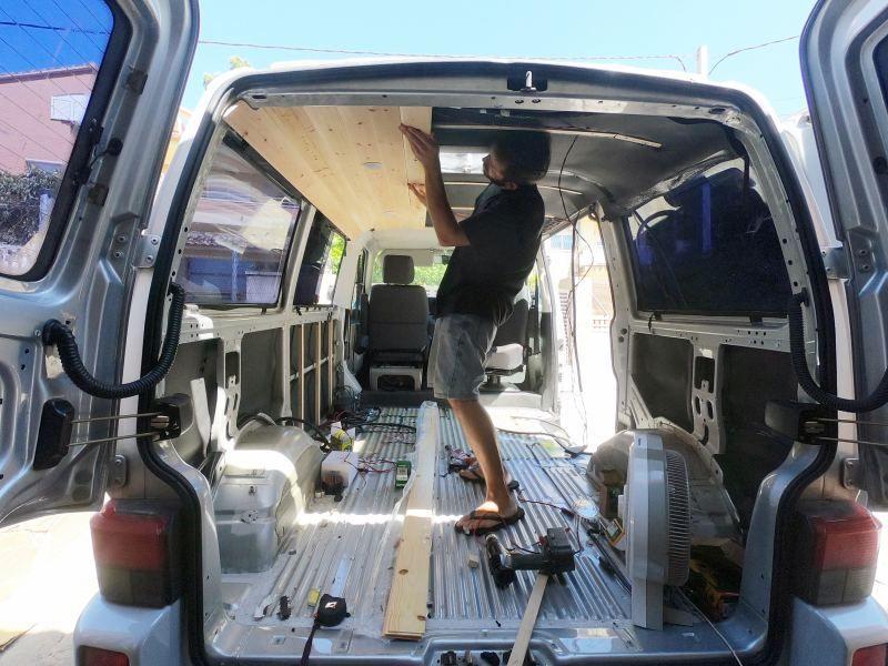 colocar friso furgoneta
