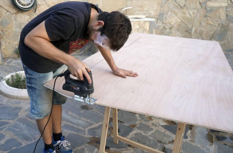 cortar suelo madera furgoneta camper