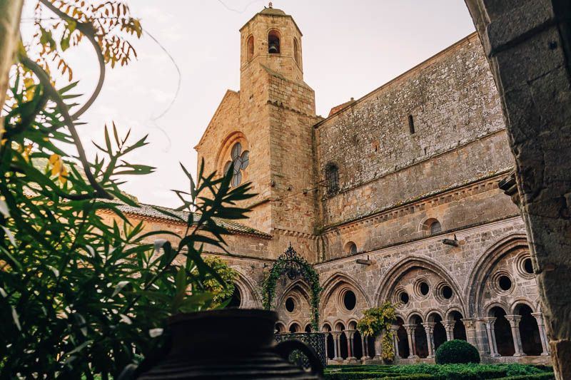 claustro abadia de fontfroide