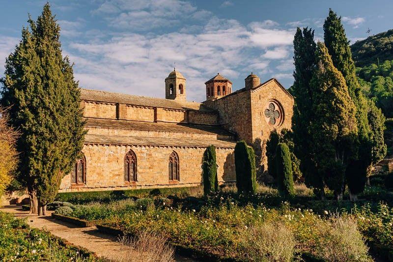 rosaleda abadia de fontfroide
