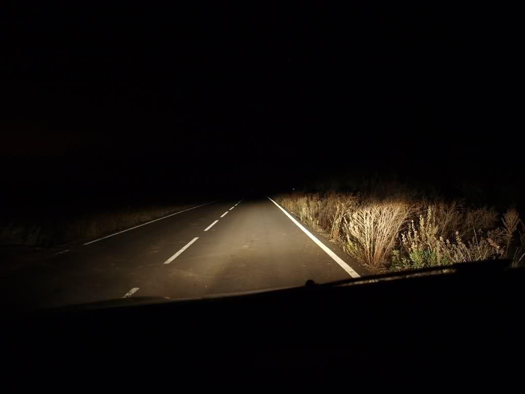 carretera poco iluminada