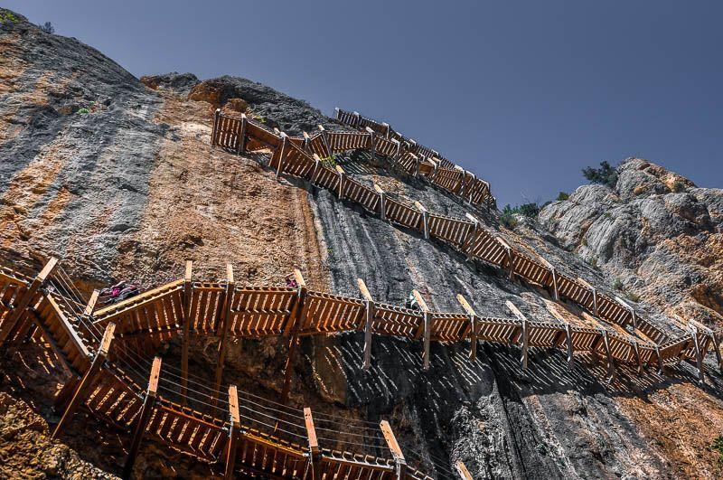 escaleras verticales congost mont rebei