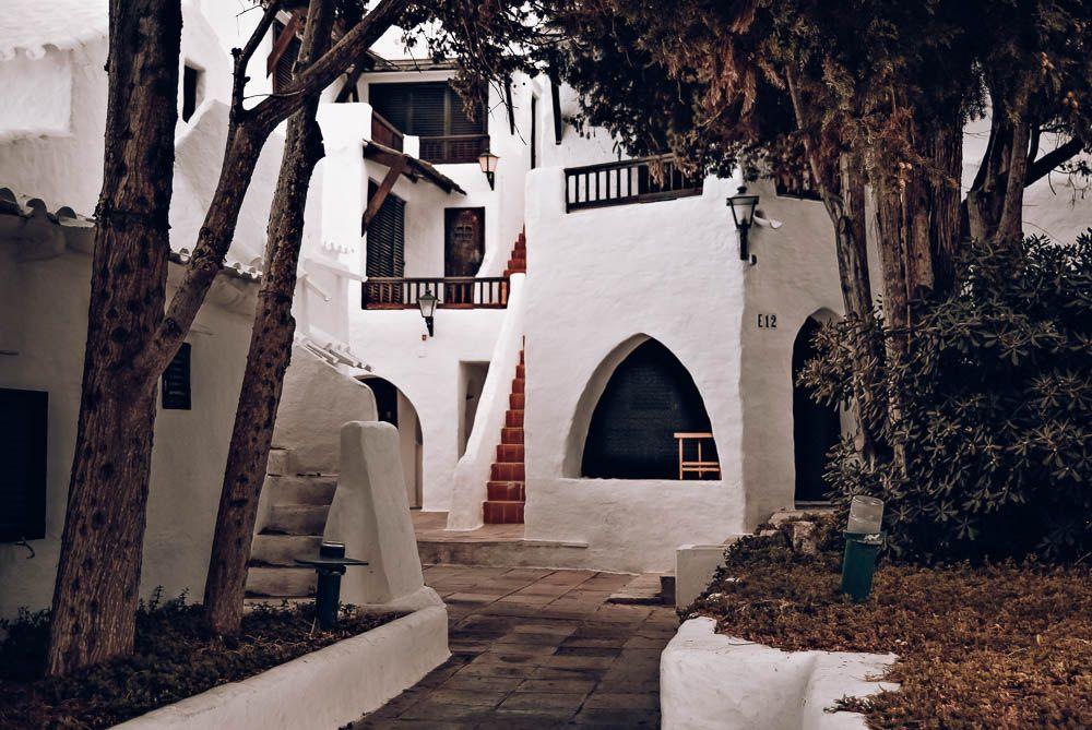 Binibèquer Vell Menorca pueblos y ciudades que visitar