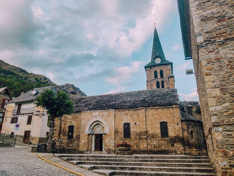 Qué ver en la Vall d'Aran - iglesia bossost