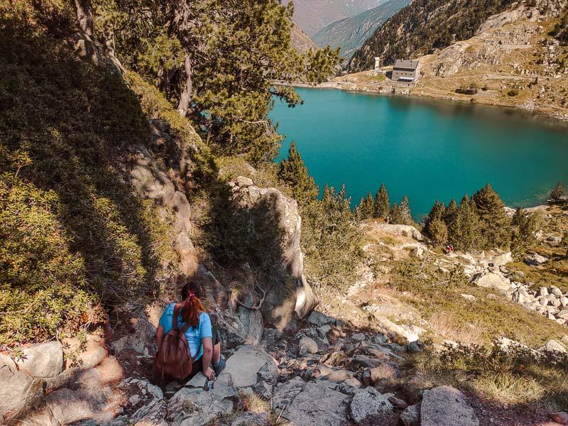 montaña lago restanca